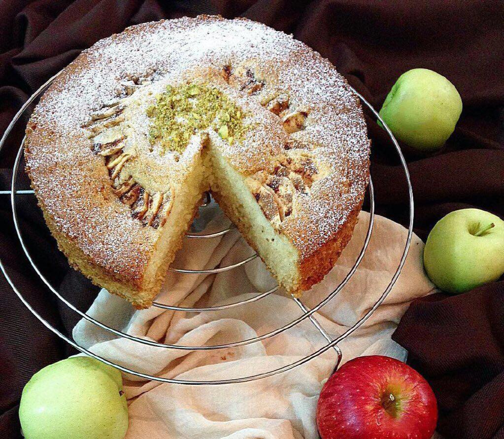 کیک سیب دارچین